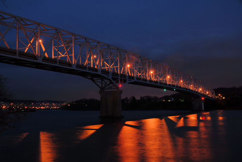 Monaca-Rochester-Bridge-Night.JPG
